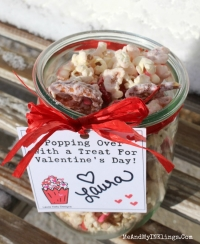 Jar-Popcorn-Mix