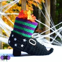Witch_Shoe1wm_medium2